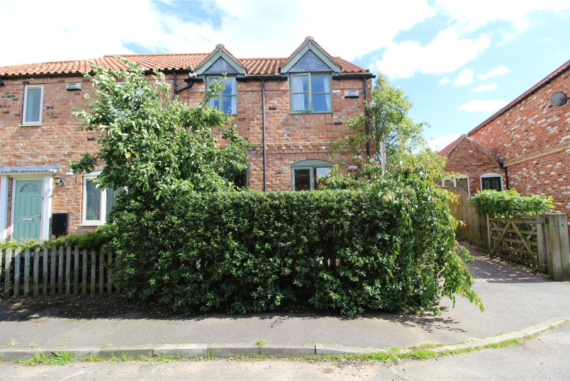 House new instruction - Kings Hill, Caythorpe, Grantham, NG32