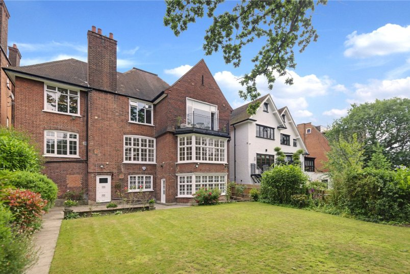 Maisonette to let - Redington Road, Hampstead, London, NW3