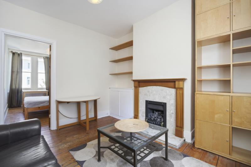 Flat/apartment to let - Westville Road, Shepherds Bush, W12