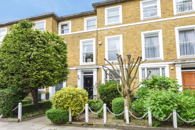 House - terraced for sale in St Johns Wood - LOUDOUN ROAD, NW8 0ND
