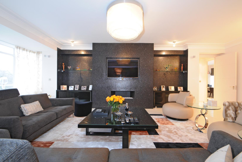 Apartment for sale in St Johns Wood - VICEROY COURT, NW8 7PR