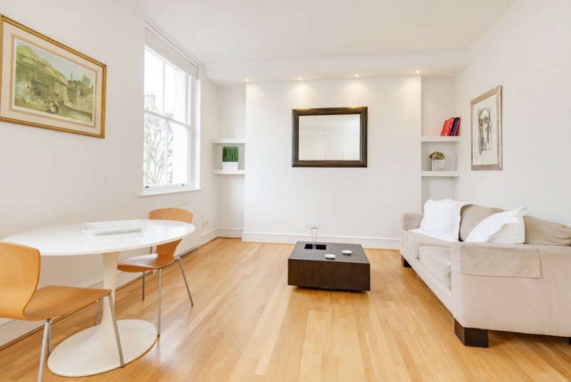 Flat to rent in St Johns Wood - RANDOLPH AVENUE, W9 1BG