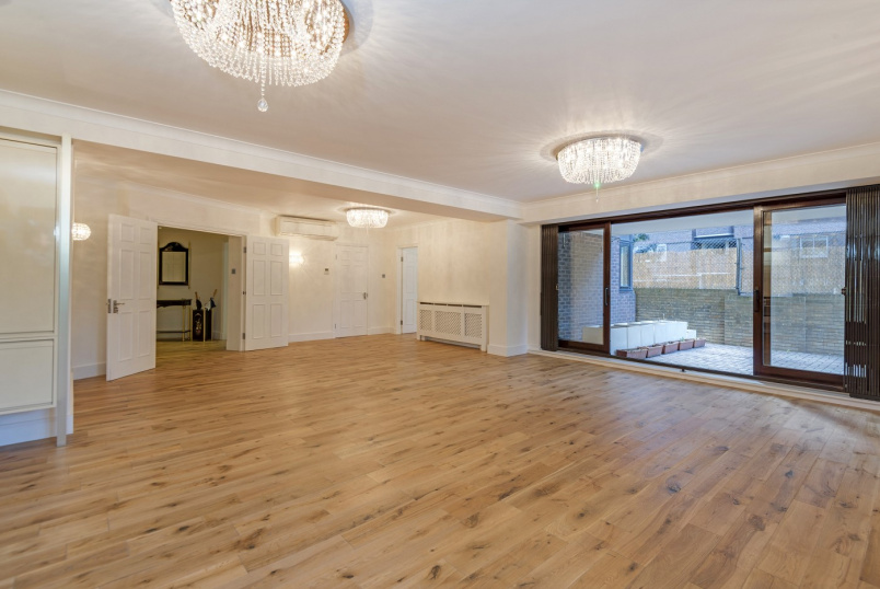 Flat to rent in St Johns Wood - PRINCE REGENT COURT, NW8 7RB