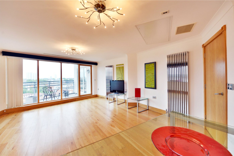 Flat/apartment to rent in Bow - Augustine Bell Tower, 7 Pancras Way, London, E3