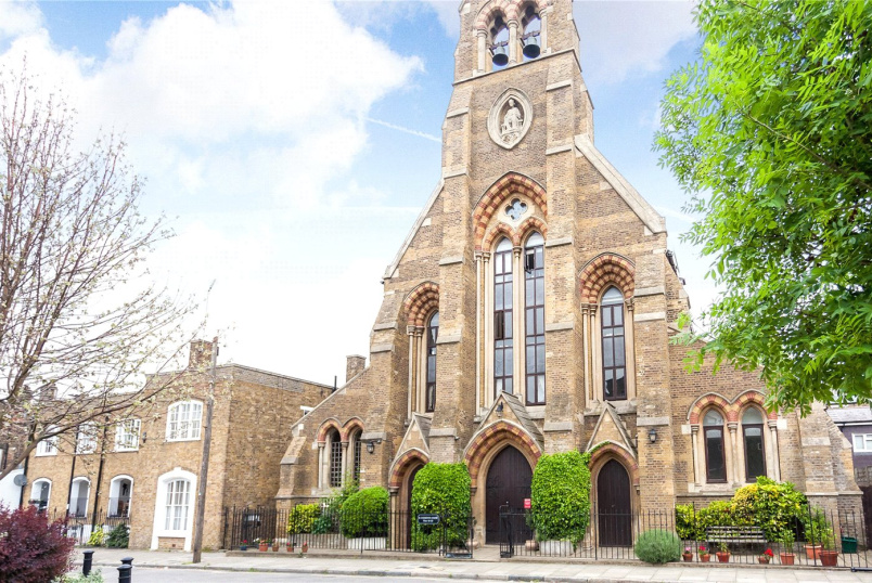 Flat/apartment to rent in Islington - St. Clements Court, 60 Arundel Square, London, N7