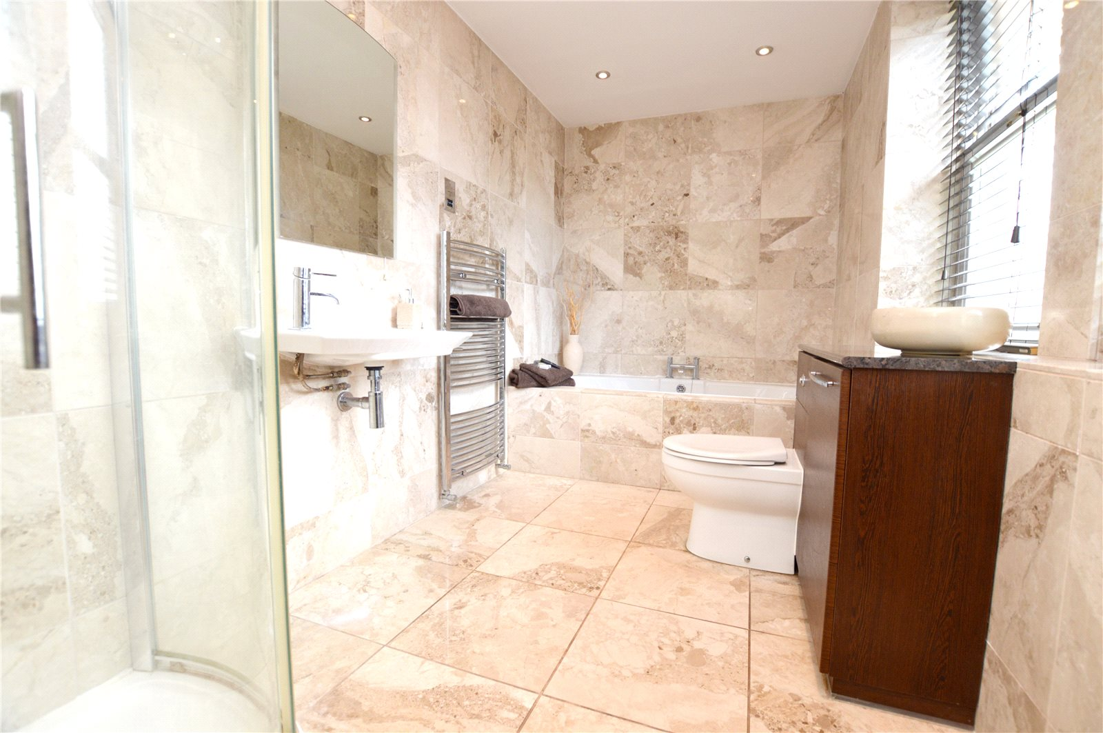 Property for sale in Pudsey, bathroom, beautiful and modern fitted