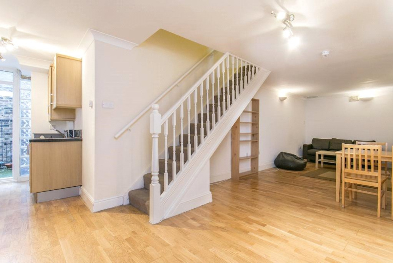 Flat/apartment for sale in Islington - Lough Road, Islington, N7
