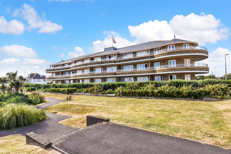 Flat/apartment for sale in Worthing - West Parade, Worthing, West Sussex, BN11