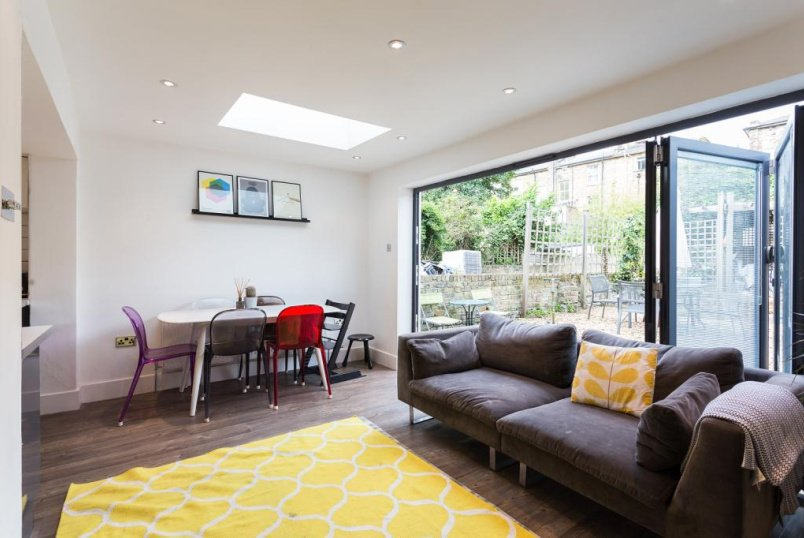Flat/apartment to rent in Highbury - Mountgrove Road, Highbury, N5