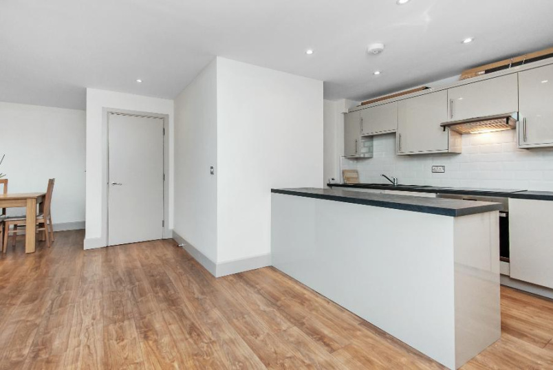 Flat to rent in Kennington - BROWNING STREET, SE17