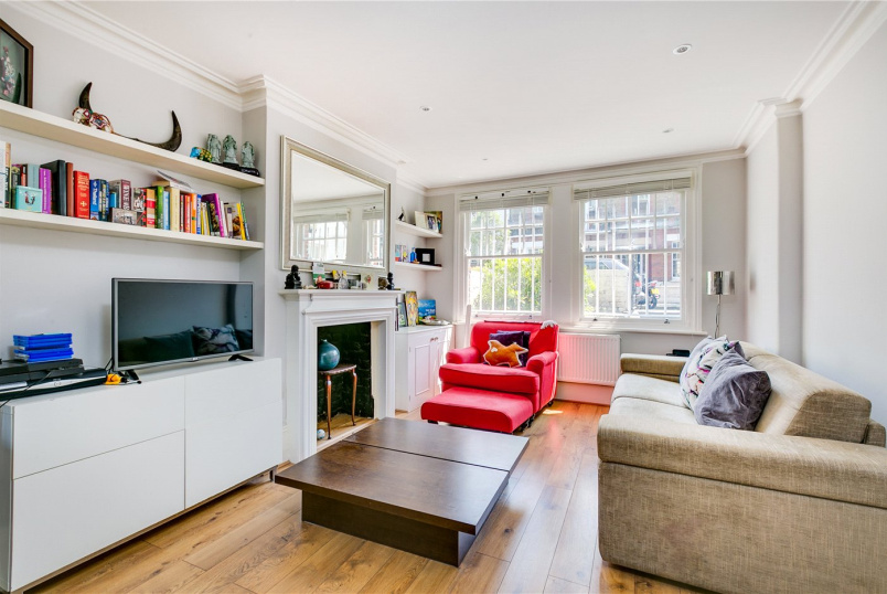 Flat/apartment for sale in Fulham & Parsons Green - Margravine Gardens, Barons Court, London, W6