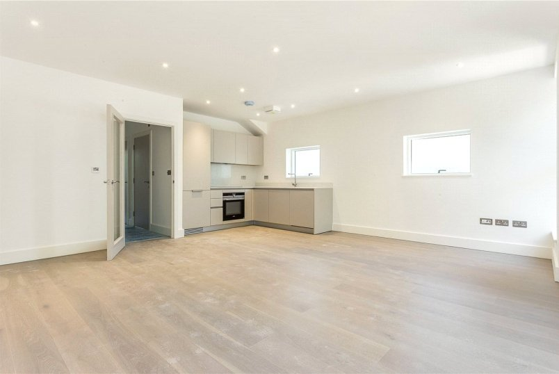 Flat/apartment for sale in Southfields - Oak Lodge, 132a West Hill, SW15
