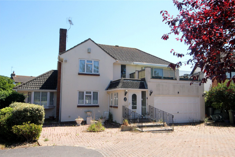 House for sale in Highcliffe - Seaway Avenue, Christchurch, Dorset, BH23