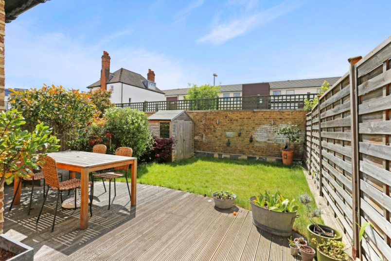 House to rent in Ealing & Acton - Hillcrest Road, Ealing, W3
