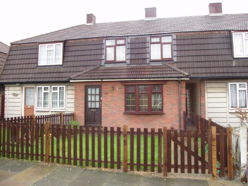 No Onward Sales Chain We Are Pleased To Offer This Three Bedroom Terraced House For Sale Features Include Gas Fired Central Heating Double Glazed Windows