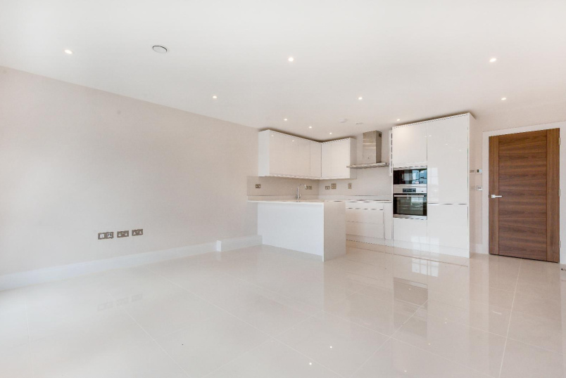 Flat to rent in Kennington - CLAPHAM ROAD, SW9