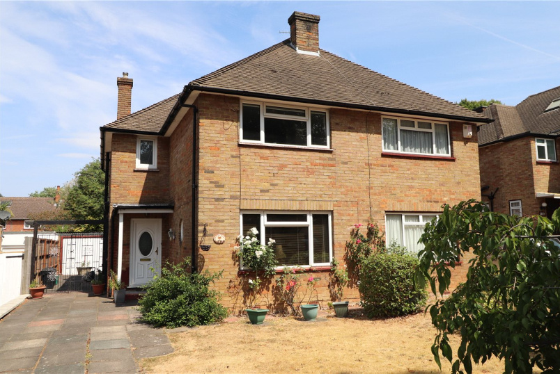 House for sale in Beckenham - Foxgrove Road, Beckenham, BR3