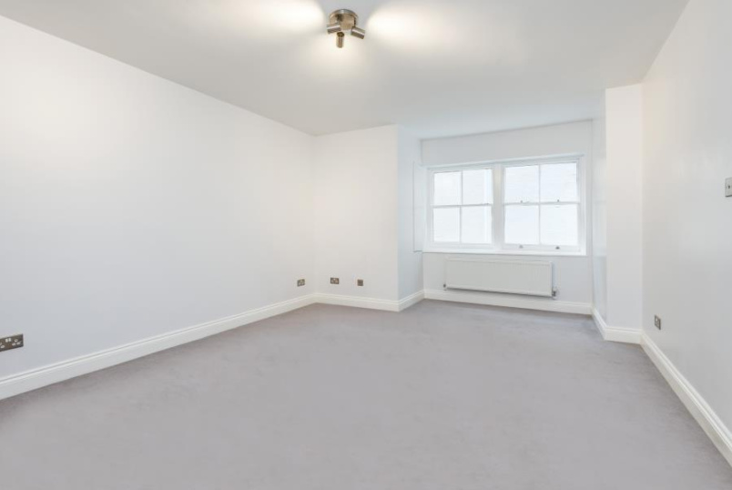 Flat to rent in St Johns Wood - VALE COURT, W9 1RT