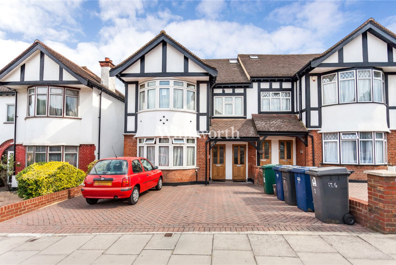 Flat/apartment to rent in Hendon - Finchley Lane, London, NW4