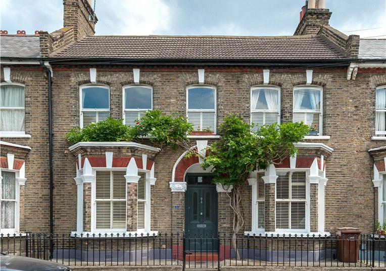 House for sale in Kennington - Kitson Road, Camberwell, SE5