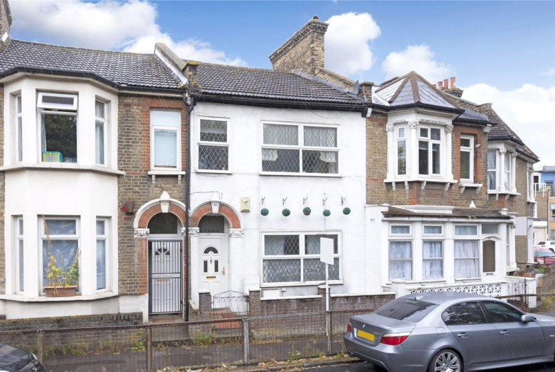 House for sale in New Cross - Trundleys Road, Deptford, London, SE8