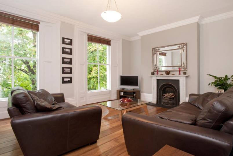 Maisonette to rent in Islington - Morton Road, Islington, N1