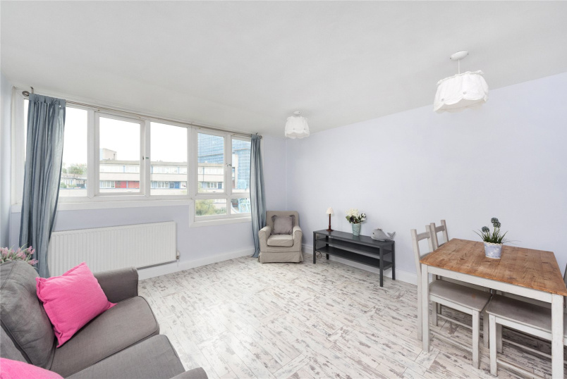 Flat/apartment for sale in North Kensington - Holmefield House, Hazlewood Crescent, London, W10
