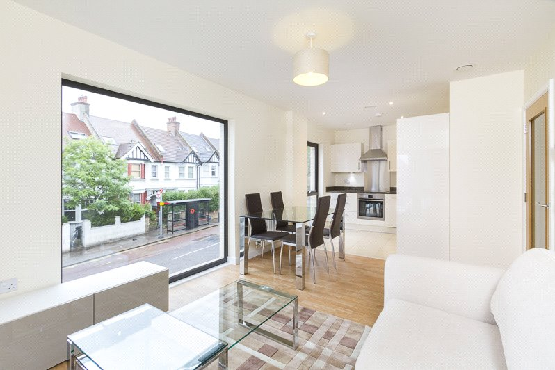 Flat/apartment to rent in Willesden Green - Newman Close, London, NW10