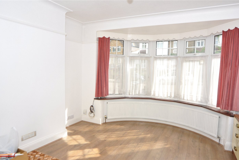 House to rent in  - Torrington Gardens, London, N11