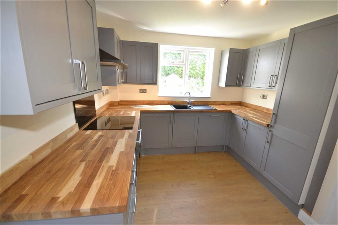 3 Bedroom Property For Sale In Berry Road Edington Wiltshire Average Cost Of Rewiring A 4 Bed House Sstc