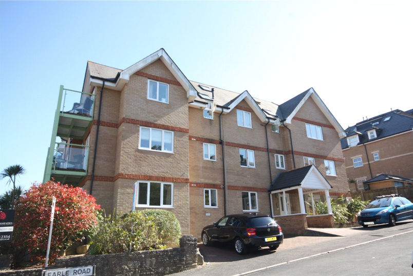 Flat/apartment to rent in Westbourne - Pineview, 10 Earle Road, Bournemouth, BH4