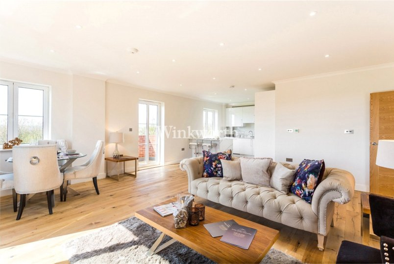 Flat/apartment for sale in Hendon - Great North Way, London, NW4