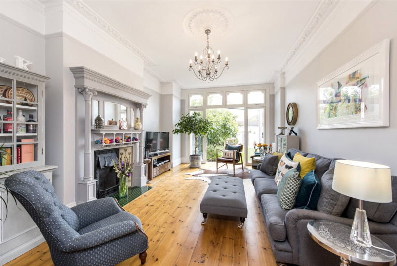 Flat/apartment for sale in Streatham - Copley Park, London, SW16