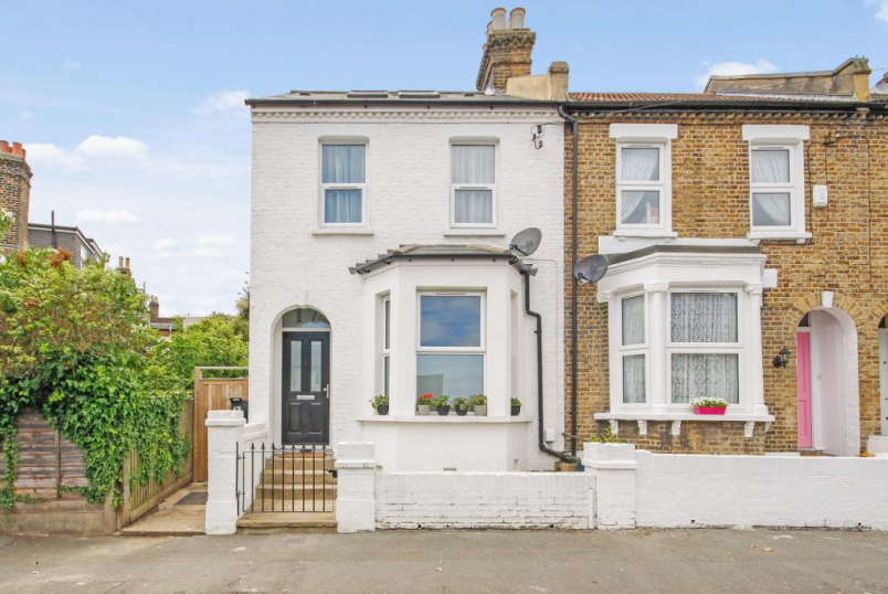 House for sale in West Norwood - Waldeck Grove, West Norwood, SE27