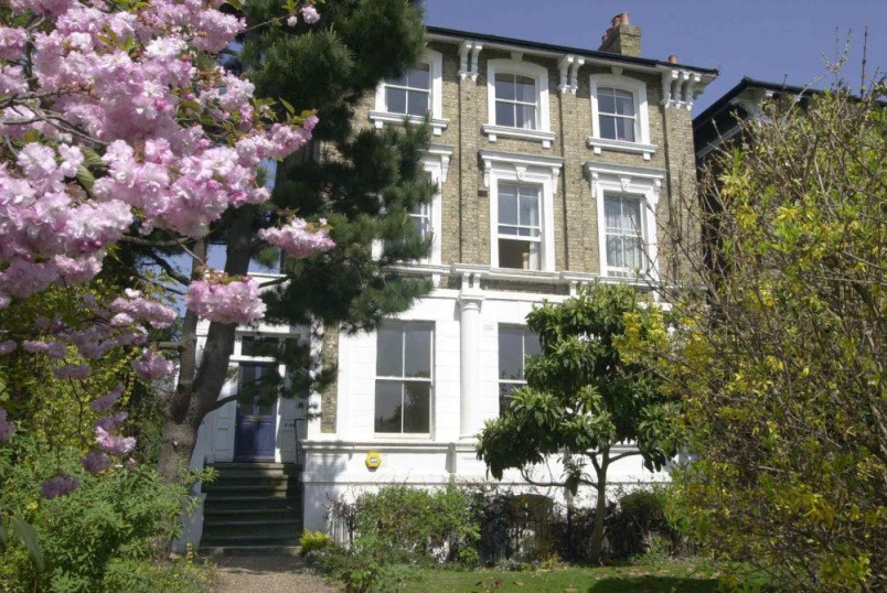 Flat/apartment to rent in Blackheath - Vanbrugh Park, London, SE3