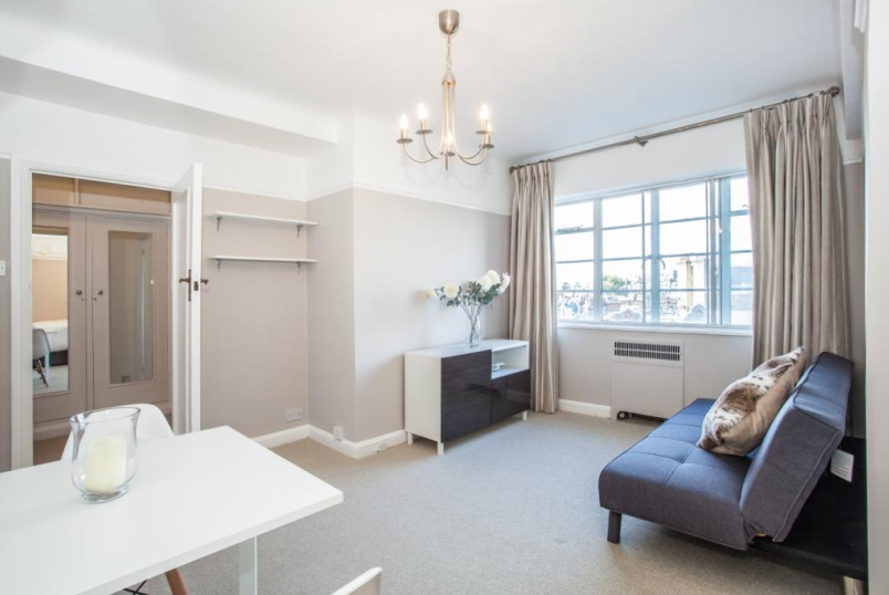 Flat/apartment to rent in Kensington - Vicarage Gate, Kensington, W8