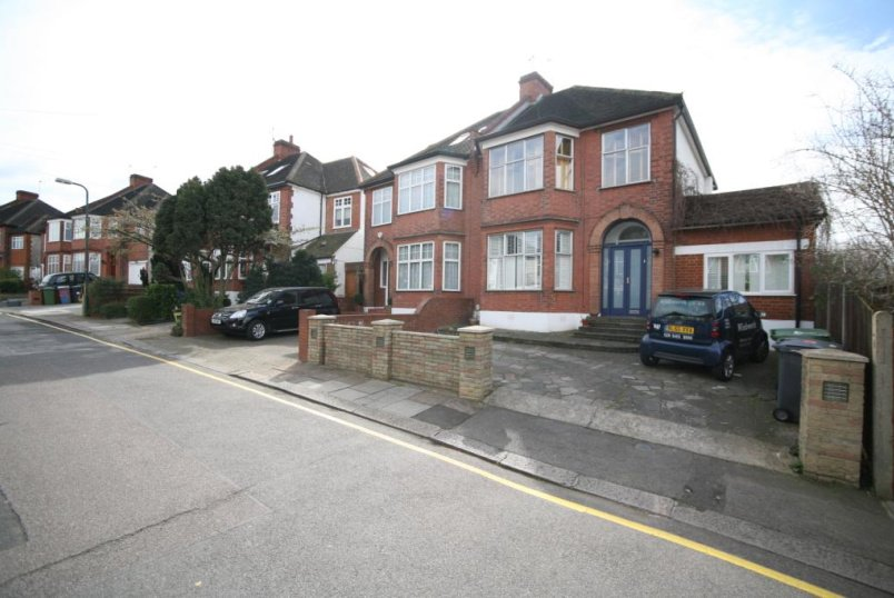 House to rent in Kensal Rise & Queen's Park - Irwin Gardens, Kensal Green, NW10
