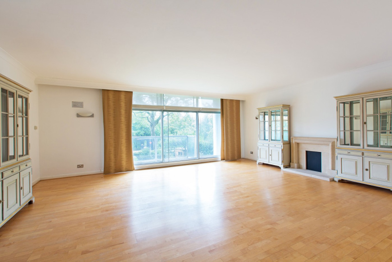 Flat for sale in St Johns Wood - PRINCE ALBERT COURT, ST JOHN'S WOOD, NW8 7LU