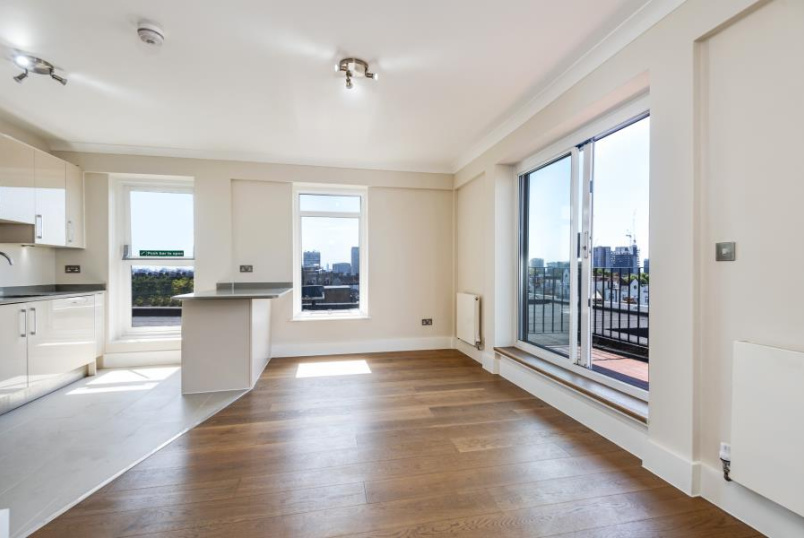 Flat to rent in St Johns Wood - HARROW LODGE, NW8 8HR