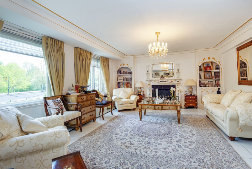 Apartment for sale in St Johns Wood - BENTINCK CLOSE, ST JOHN'S WOOD, NW8 7RY