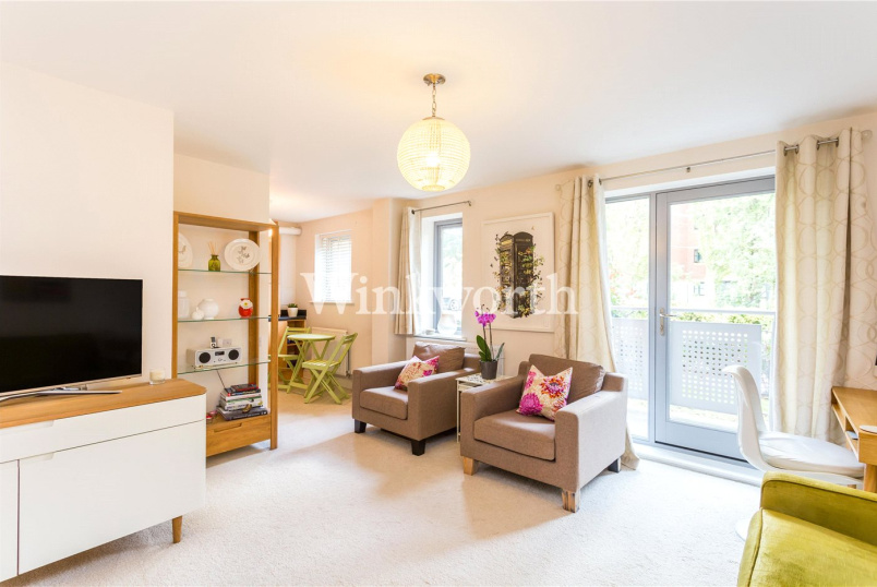 Flat/apartment for sale in Palmers Green - Millicent Grove, London, N13