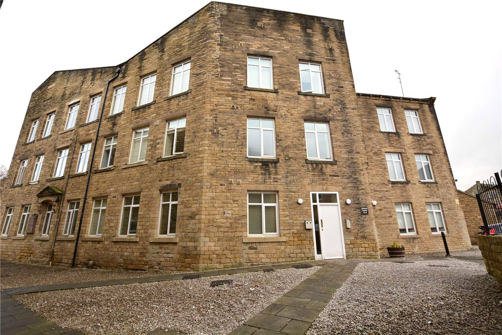 exterior of apartment in pudsey, for sale