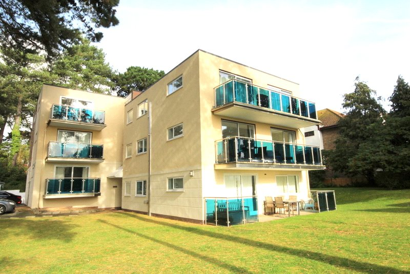 Flat/apartment to rent in Westbourne - Sandhills, 40 Banks Road, Poole, BH13