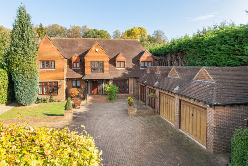 Detached house to rent in Weybridge - The Gardens, Esher, KT10
