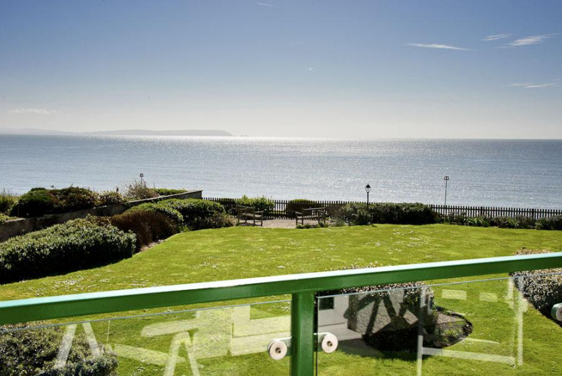 Flat/apartment to rent in Highcliffe - Cliff Drive, Friars Cliff, BH23