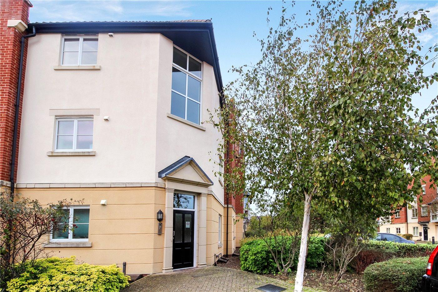 2 bedroom property for sale in Hamilton Court, Trafalgar
