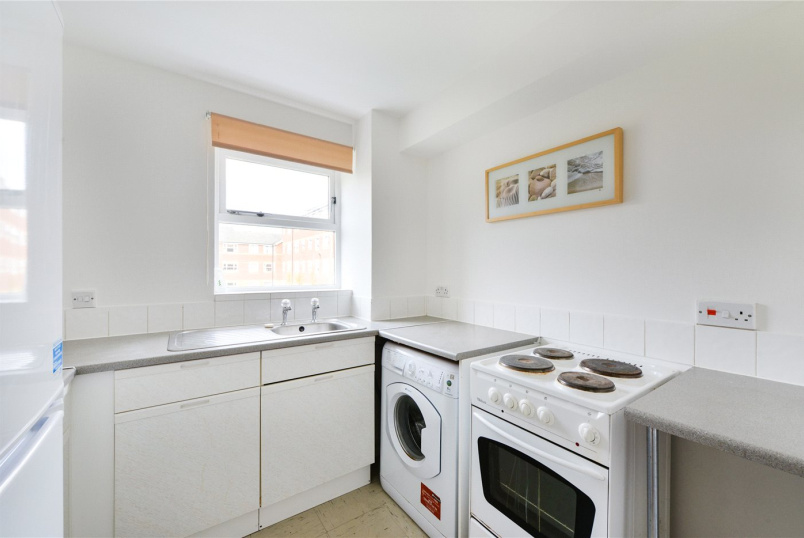 Flat/apartment to rent in Tooting - Massingberd Way, London, SW17