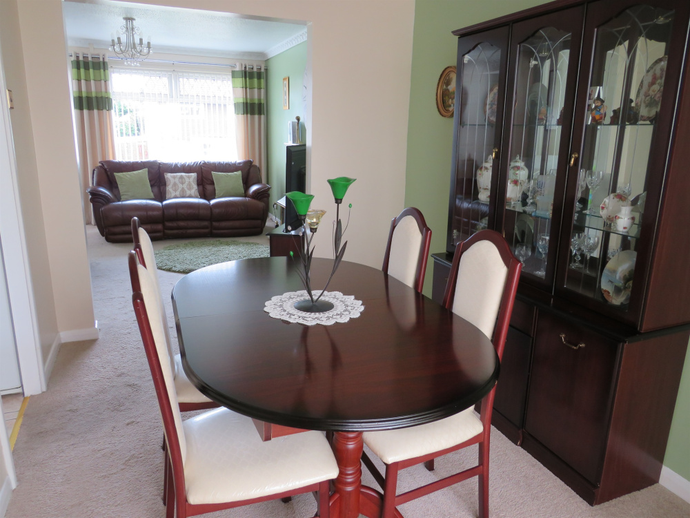 Brilliant 3 Bedroom Property For Sale In Cwrt Yr Aeron Cwmrhydyceirw Home Interior And Landscaping Palasignezvosmurscom