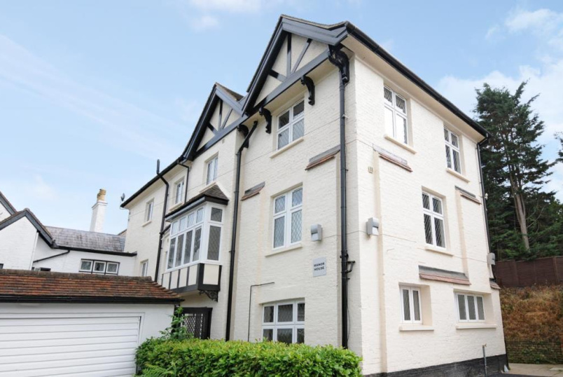 Flat/apartment to rent in Reading - The Manor House, Thames Street, Sonning, RG4