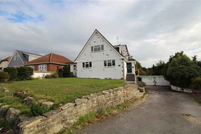 House for sale in Poole - Mill Lane, Whitecliff, Poole, BH14